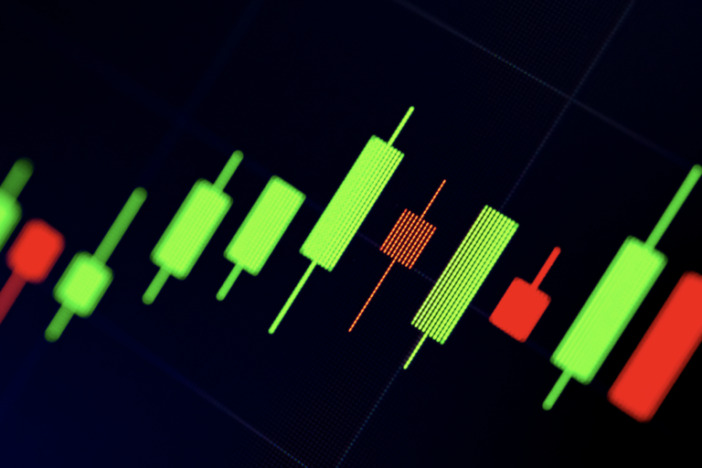 Crypto Trading 101: Bull and Bear Flags (And What They Mean for Price)